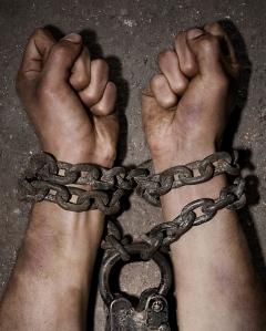 amnesty_print_chains