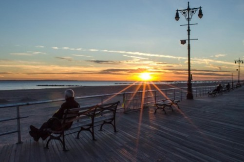 mm_boardwalk_solitary_man_sunshine_max_bolotov-585x387