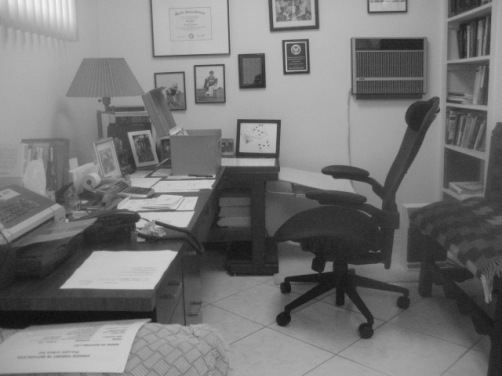 Glasser's writing space, minus his computer, where so much of his creativity was put to the page. (Photo by Jim Roy.)